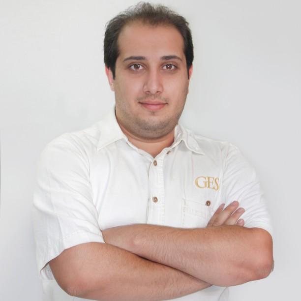 Siavash; Full-Stack Webentwickler bei Internetagentur Webrgb